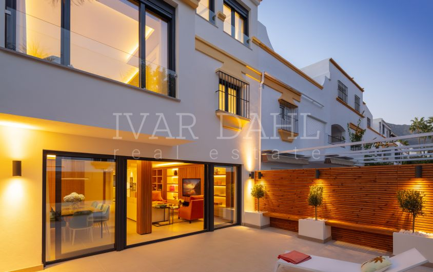Completely refurbished luxury townhouse in Marbellamar, Beach side Golden Mile, Marbella