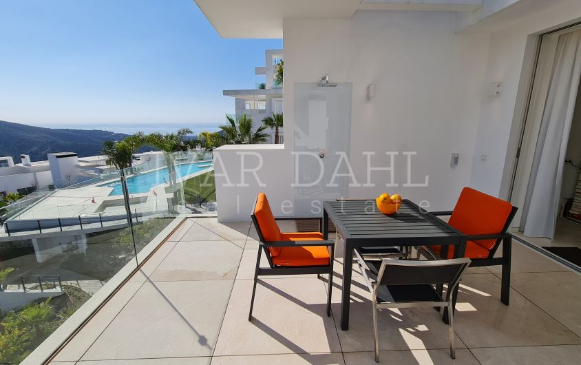 Palo Alto, Ojén, Marbella, ready-to-move-in luxury apartment with unobstructed mountain and sea views