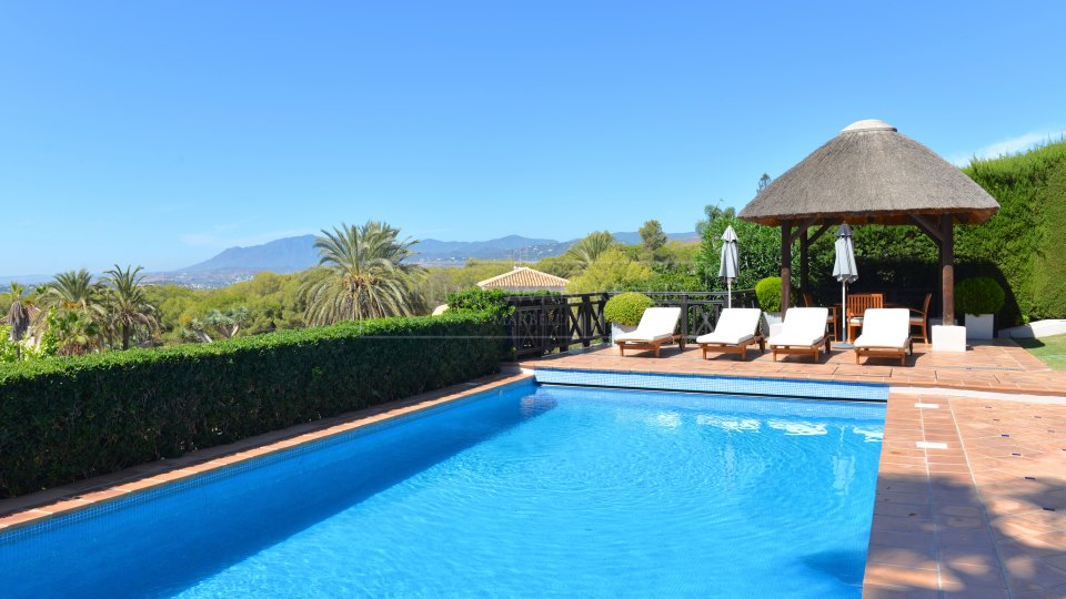 Marbella Golden Mile, Luxury villa for sale in Sierra Blanca with breathtaking views