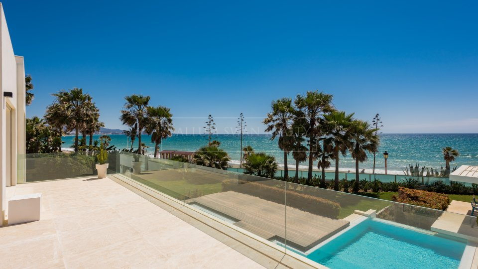 Marbella Golden Mile, Stunning frontline Beach villa walking distance to Puerto Banus on the Golden Mile