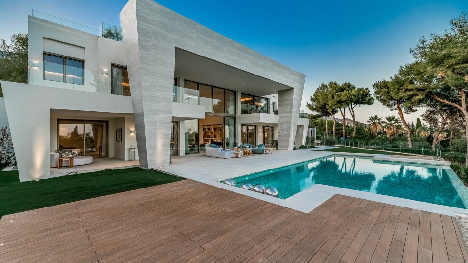Marbella Golden Mile, Luxury and modern brand new villa for sale in Sierra Blanca
