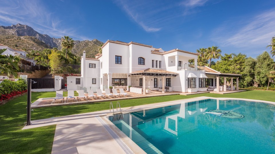 Marbella Golden Mile, Contemporary luxury villa with spectacular views to the sea in Sierra Blanca