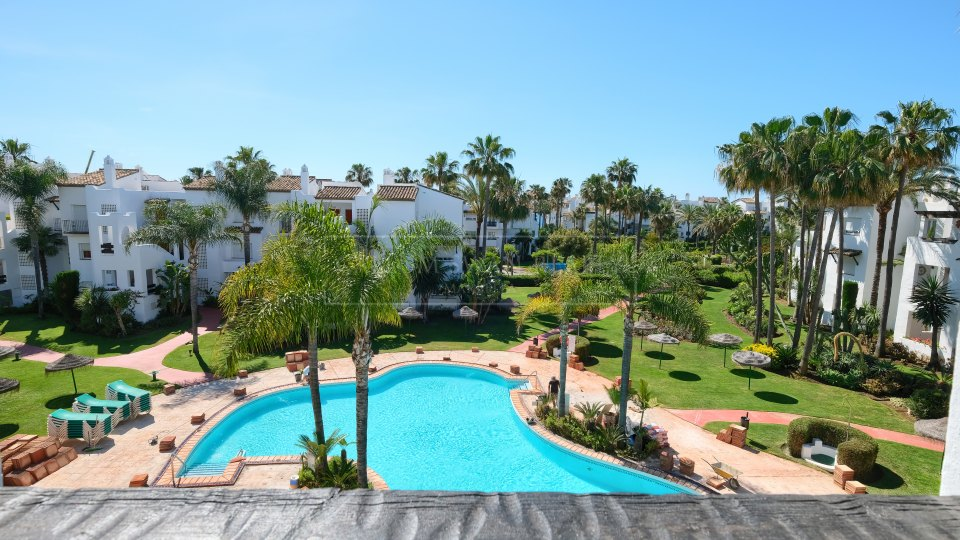 Estepona, Beachside apartment for sale in Costalita, New Golden Mile