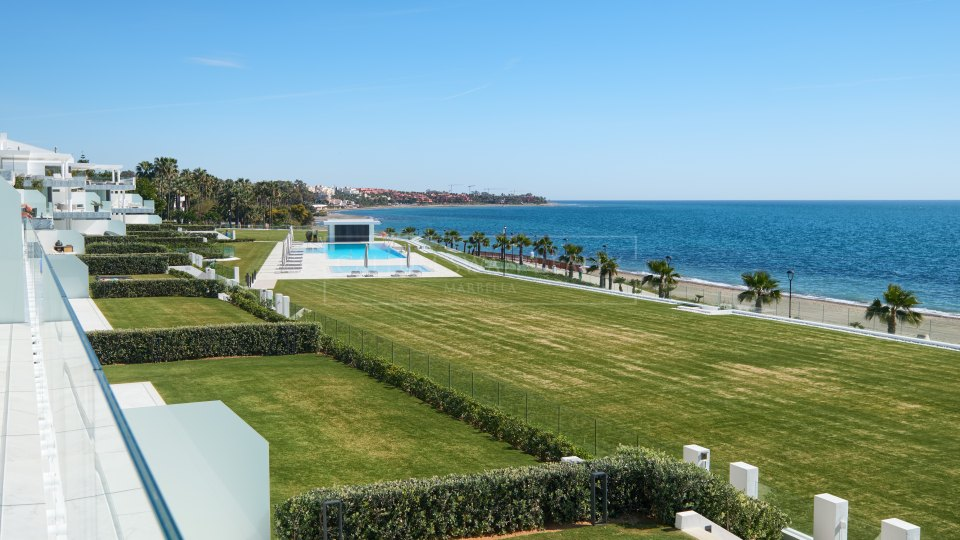 Estepona, Impressive front line beach luxury apartments in the New Golden Mile