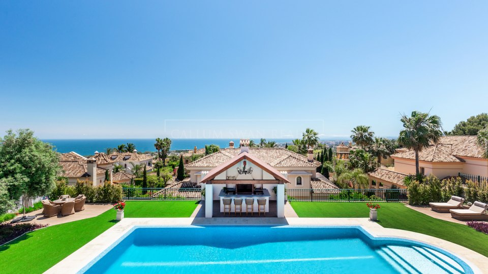 Marbella Golden Mile, Classical style villa with sea views in Sierra Blanca, Marbella