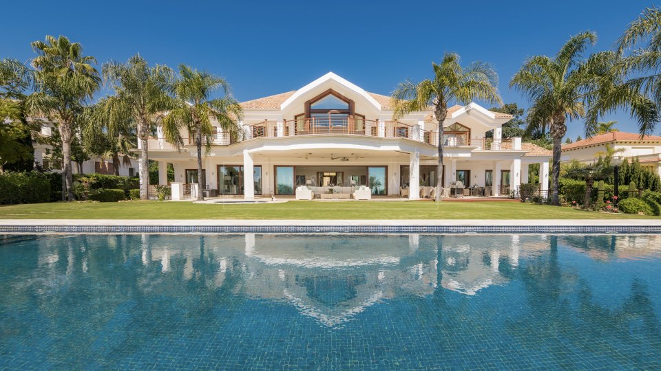 Nueva Andalucia, Luxury villa with spectacular views never before listed for sale in La Cerquilla