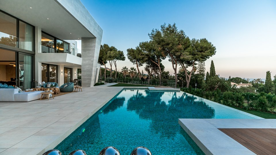 Marbella Golden Mile, New luxury villa in Sierra Blanca with sea views