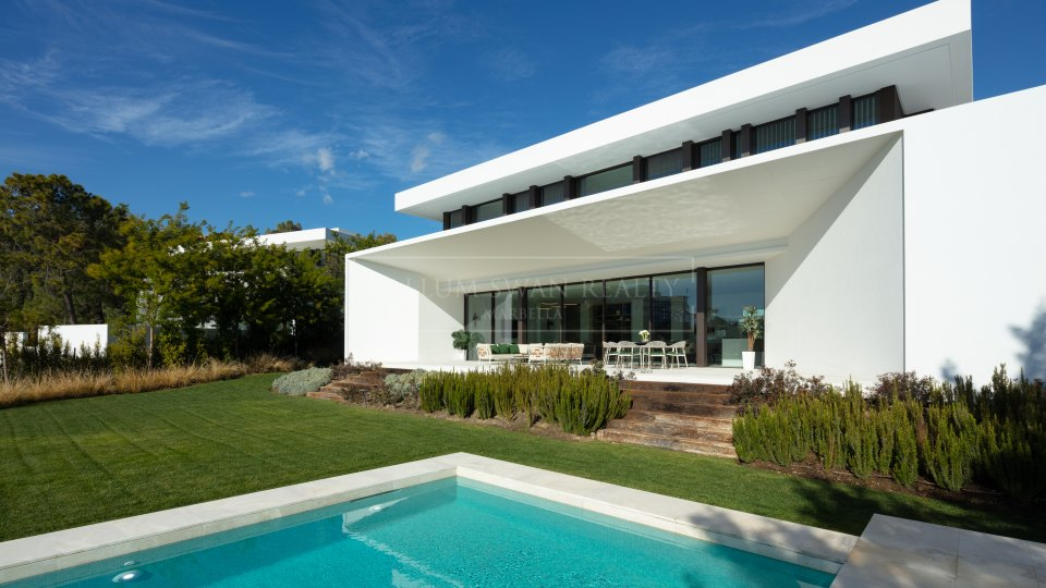 Benahavis, Luxury villa for sale within Reserva de Alcuzcuz gated complex