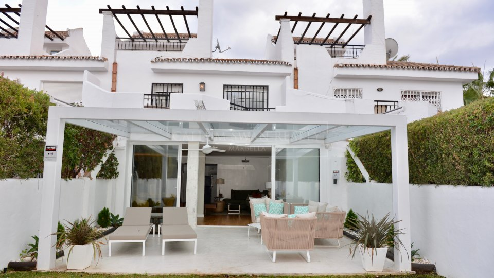 Nueva Andalucia, Family townhouse for sale in Los Naranjos de Marbella