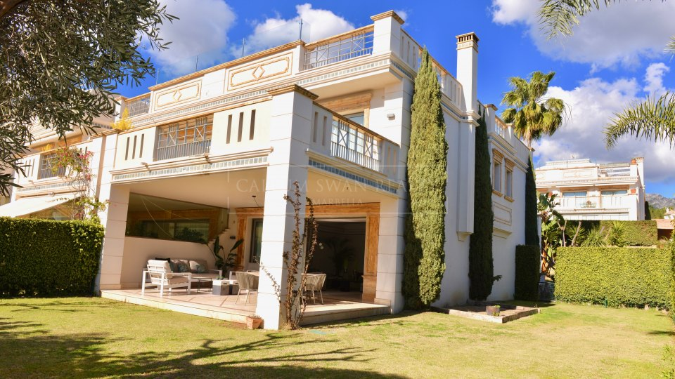 Marbella Golden Mile, Lovely semi-detached luxury home for sale in Sierra Blanca del Mar