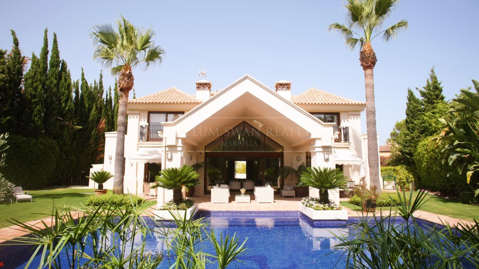 Nueva Andalucia, Elegant familly villa in the Golf Valley