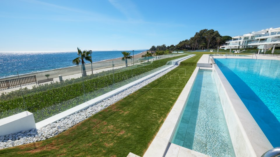 Estepona, Spectacular beachfront apartment for sale on the New Golden Mile
