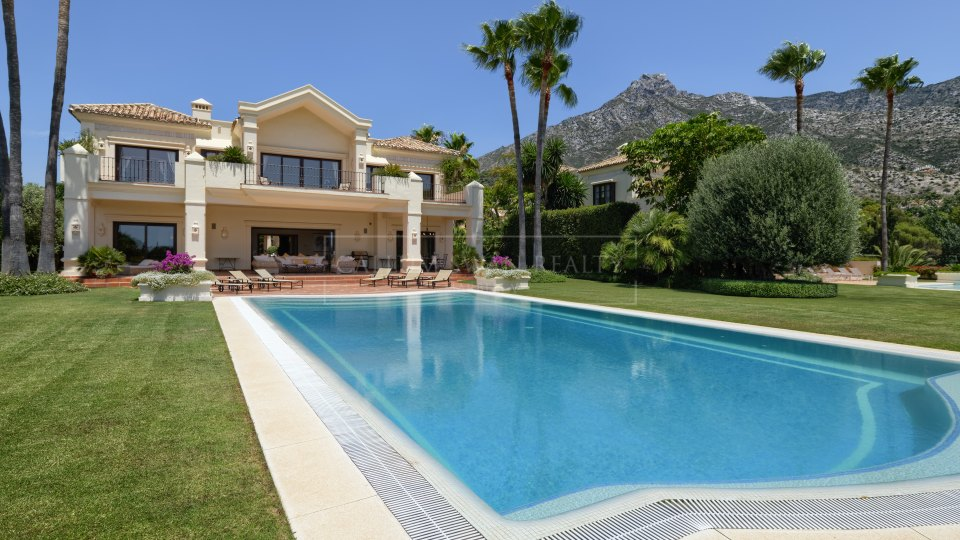 Marbella Golden Mile, Andalusian style villa for sale in Marbella Hill Club