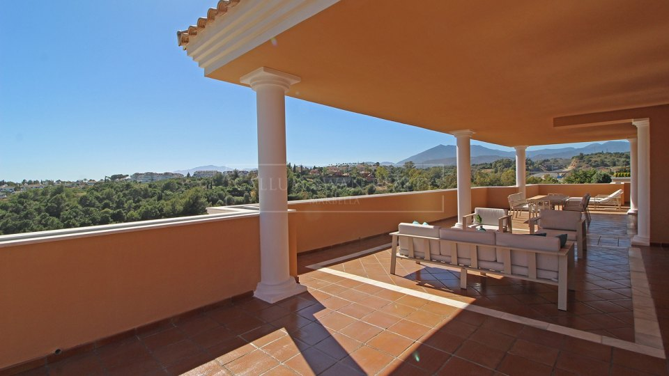 Marbella Golden Mile, Beautiful duplex penthouse for sale on the Golden Mile, Marbella