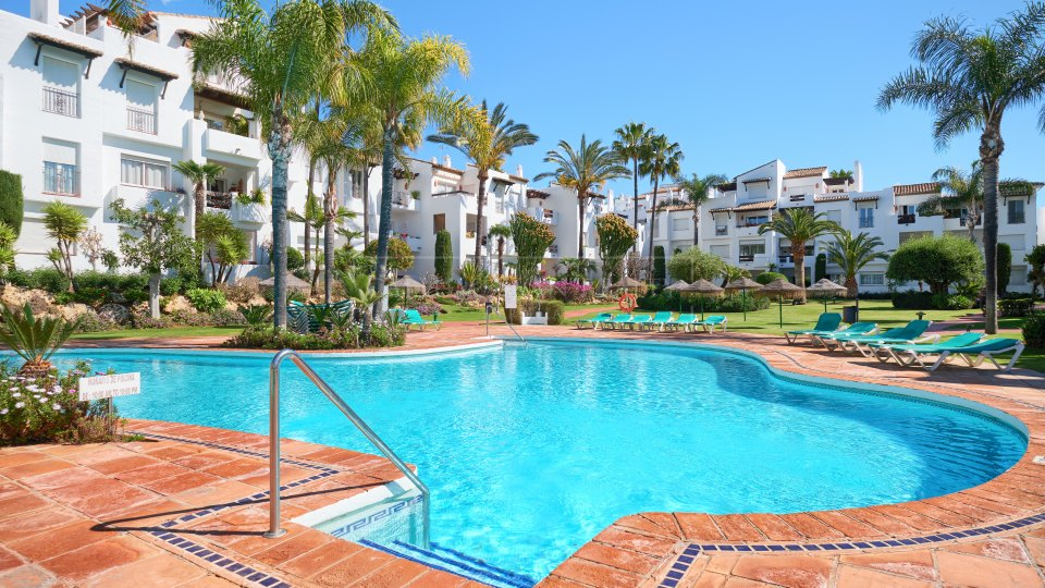 Estepona, Lovely apartment for sale close to the beach in Costalita