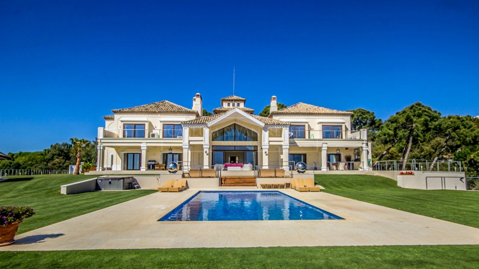 Benahavis, Unique villa for sale in the luxurious gated community of La Zagaleta