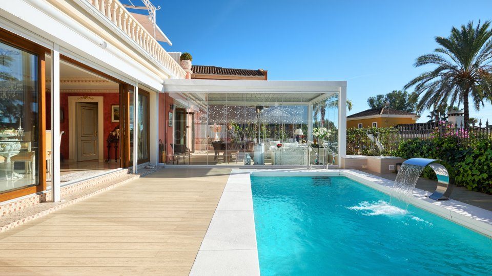 Marbella Golden Mile, Classic style family for sale villa in Nagueles, Marbella Golden Mile