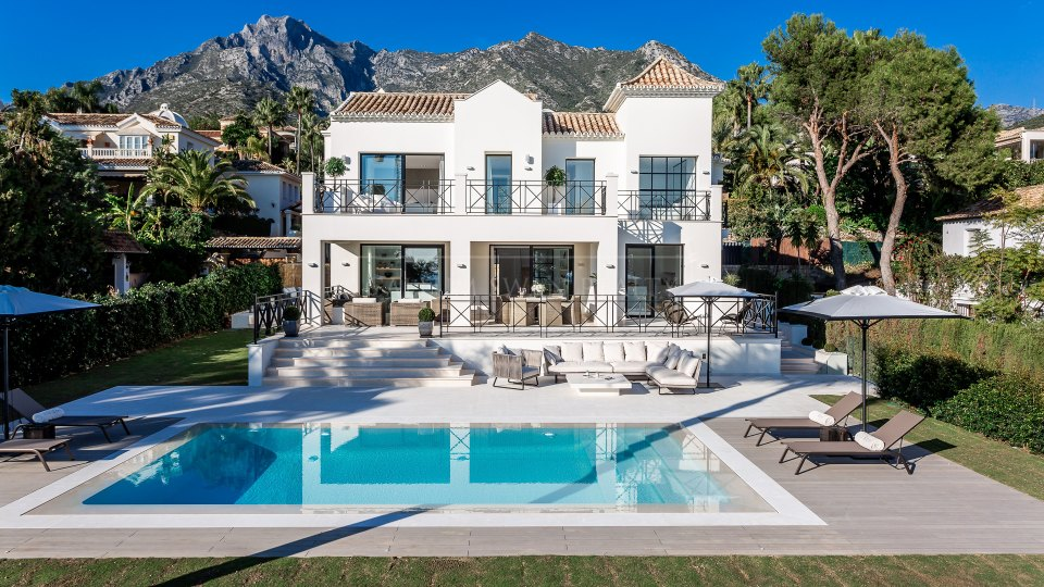 Marbella Golden Mile, Truly unique luxury villa with magnificent sea views in Sierra Blanca on Marbella Golden Mile