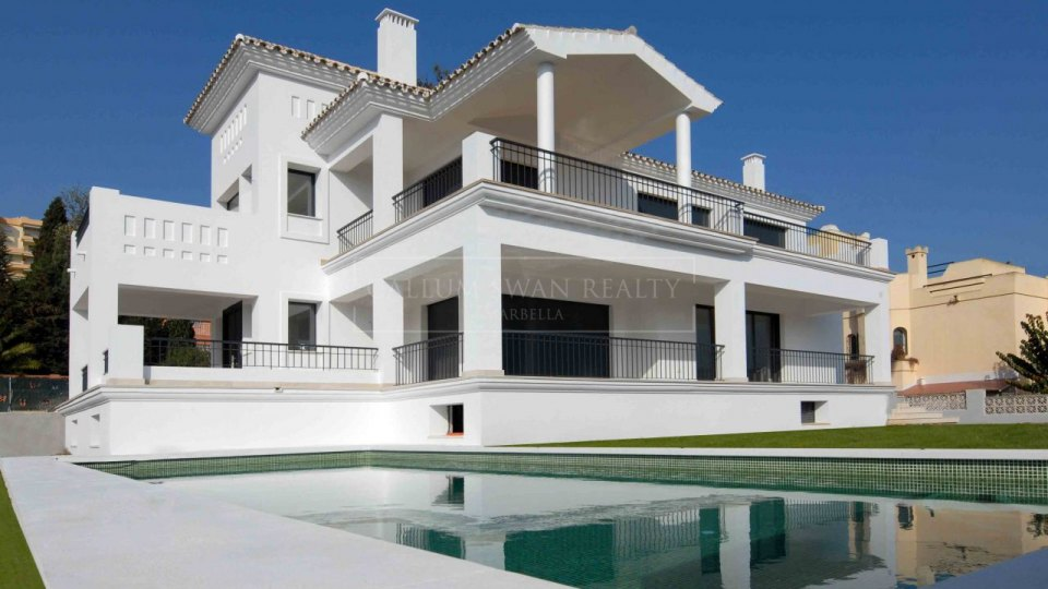 Nueva Andalucia, Contemporary new villa walking distance in Nueva Andalucia