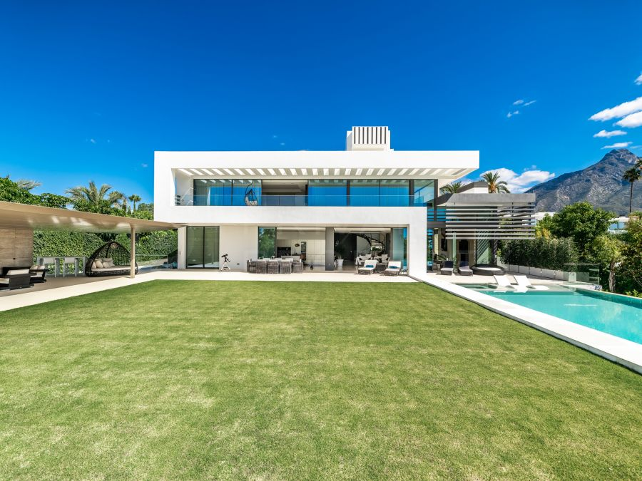 Exceptional villa on the Golden Mile