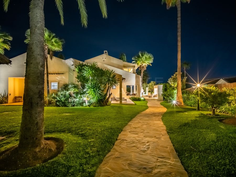 Gorgeous family home in Los Naranjos