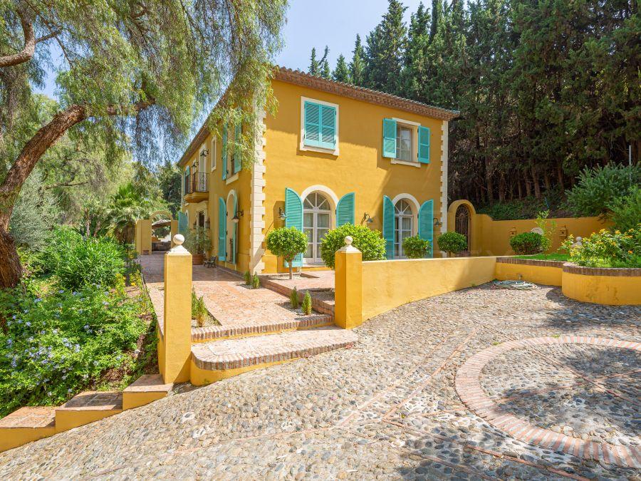 Villa in Fuente del Espanto, Benahavis