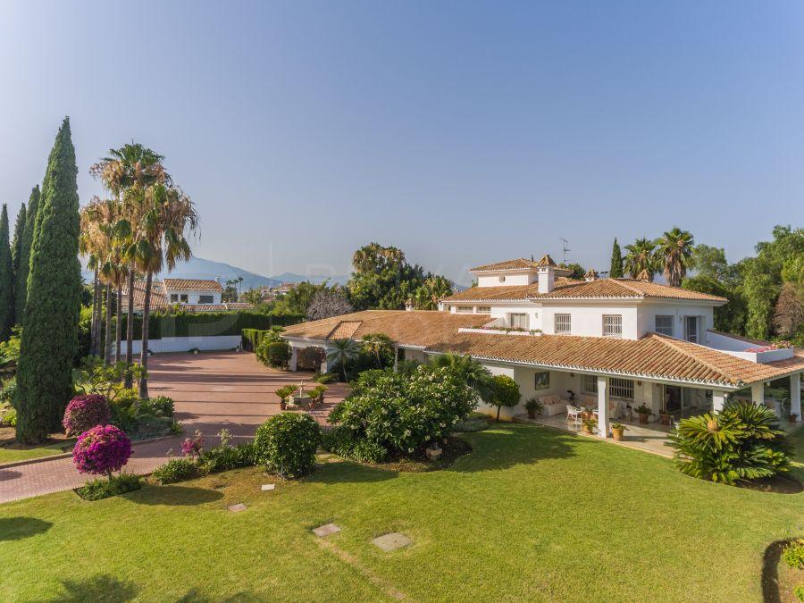 Charming villa in Guadalmina Baja