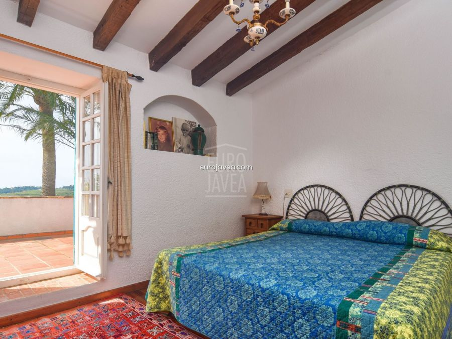 Traditional finca for sale in Teulada , on a large plot with open and sea views
