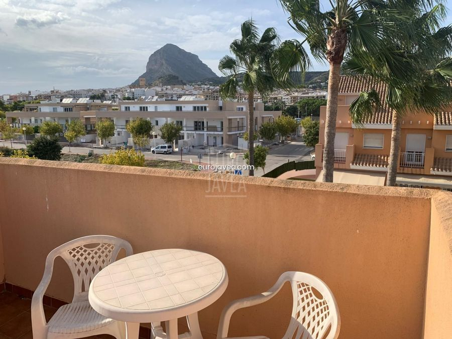 Townhouse for sale in Jávea close to the sea and the old town.