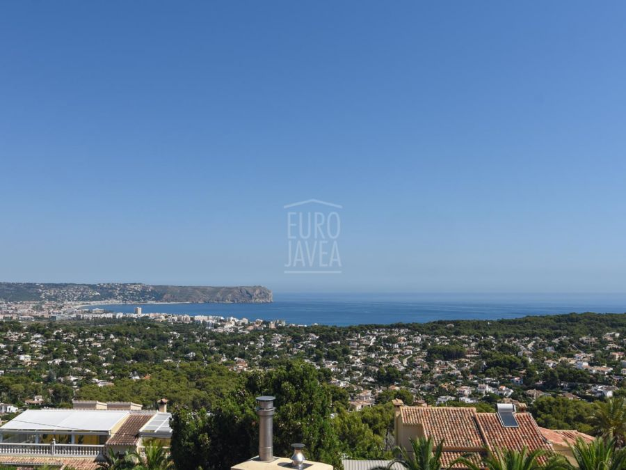 Villa for sale in Jávea in exclusive with open and sea views in a large plot