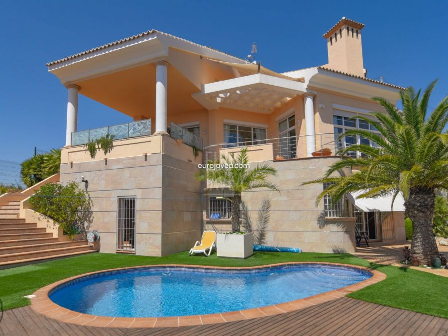 Magnificent villa for sale in Jávea with sea views