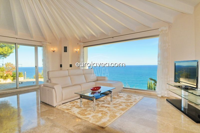 Luxury villa for sale in Jávea with spectacular sea views