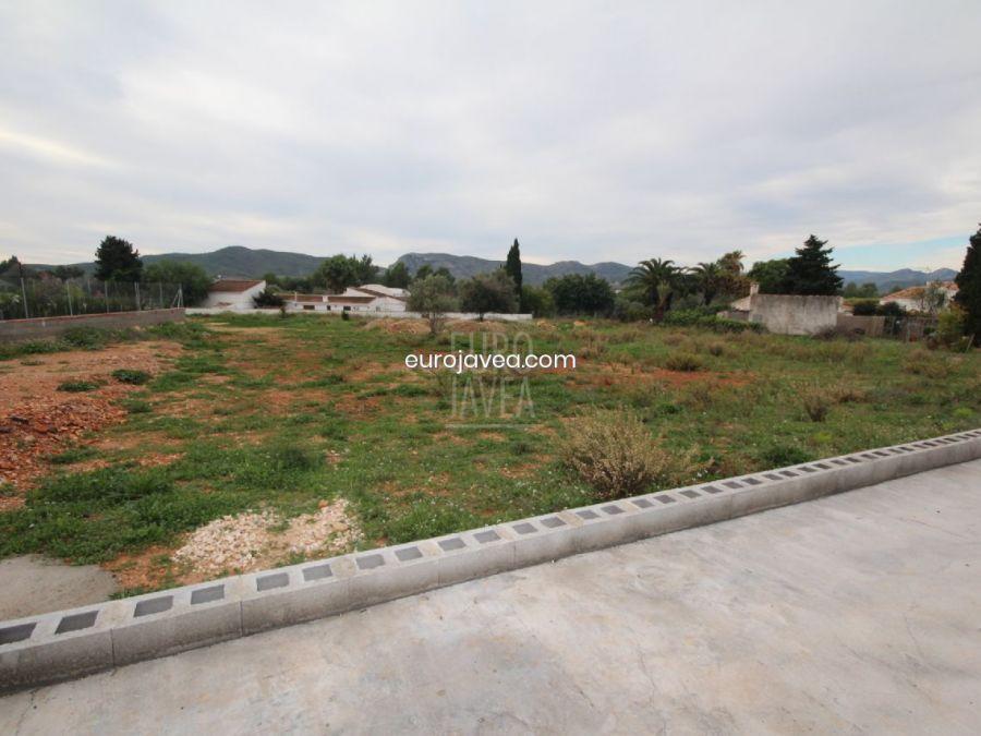 Flat plot for sale in Jávea in Montgó area.