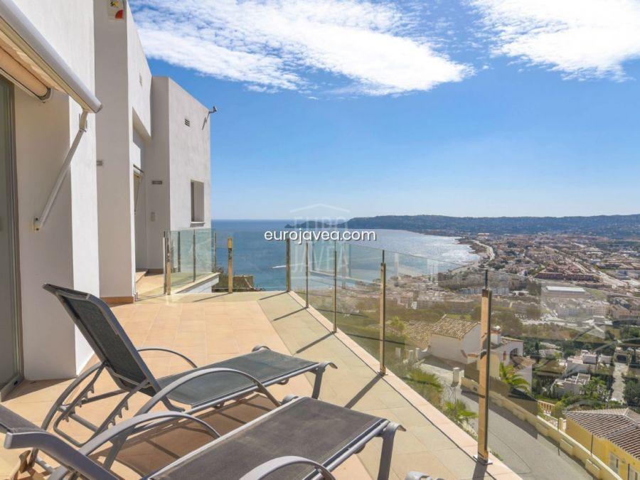 Modern villa for sale in Jávea with magnificent sea views