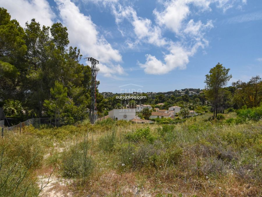 Plot for sale in Jávea , in residential area