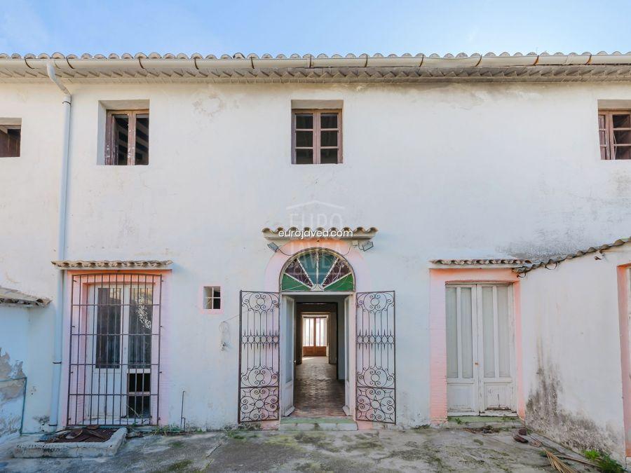 Casa en pleno centro de pueblo de Jávea
