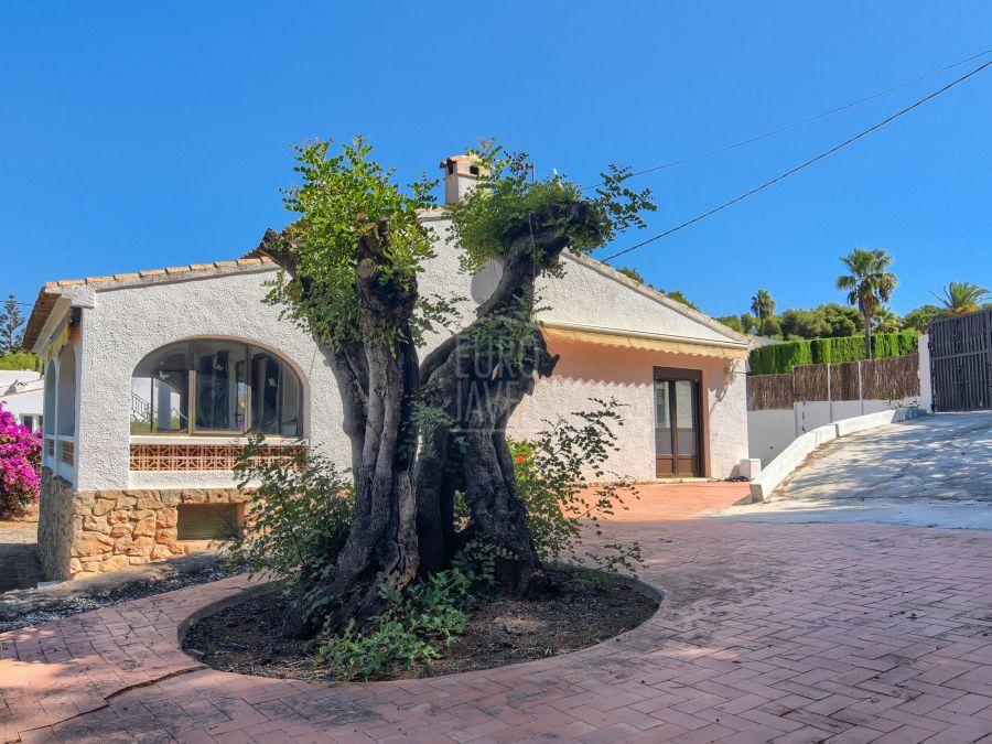 Villa de estilo tradicional a la venta en Jávea , toda en una planta
