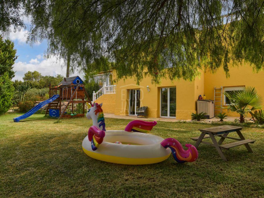 Magnifica villa a la venta en Jávea en una zona muy tranquila con vistas abiertas
