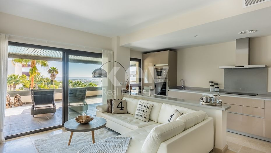 STYLISH APARTMENT CLOSE TO LOS FLAMINGOS GOLF IN BENAHAVIS