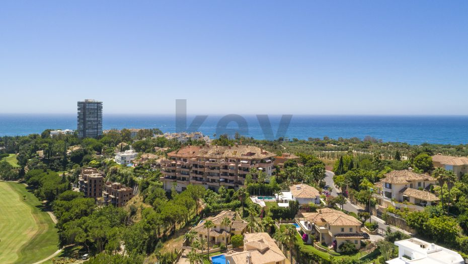 4 BEDROOM DUPLEX PENTHOUSE INFRONT OF THE GOLF WITH SEA VIEWS FOR SALE IN MARBELLA
