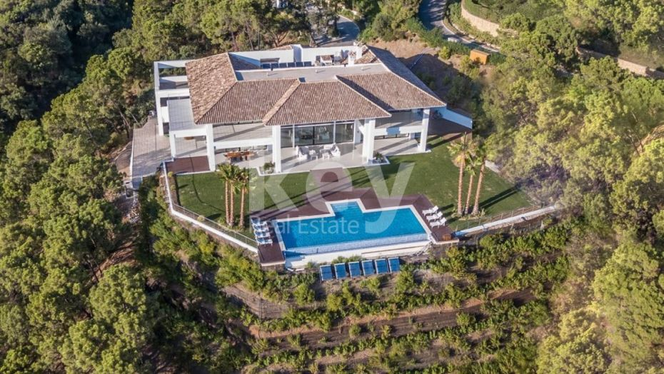 NEW LUXURY MANSION FOR SALE IN LA ZAGALETA, BENAHAVIS