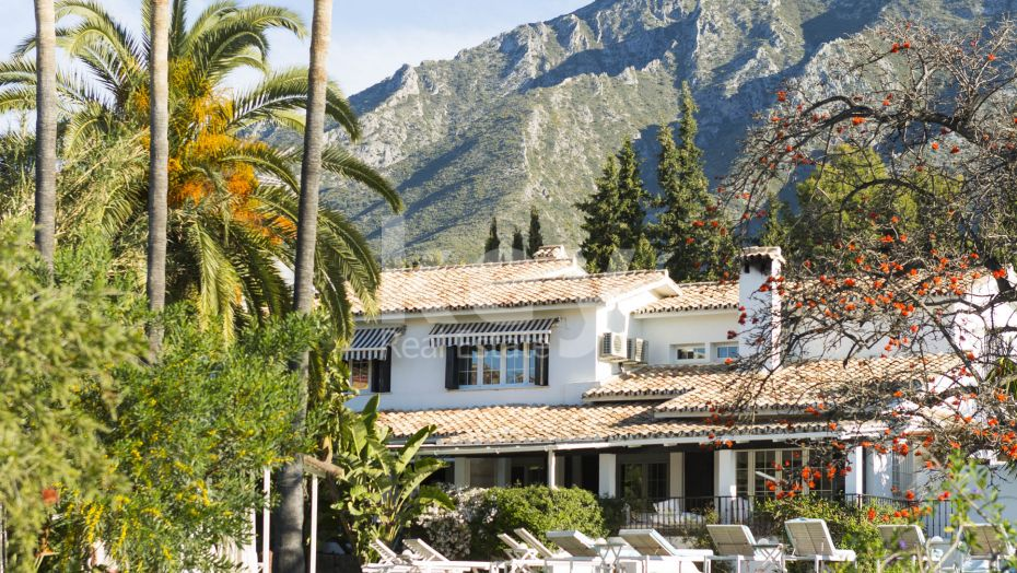 Villa Boutique: a stylish villa for sale and holiday rentals in Sierra Blanca, Golden Mile