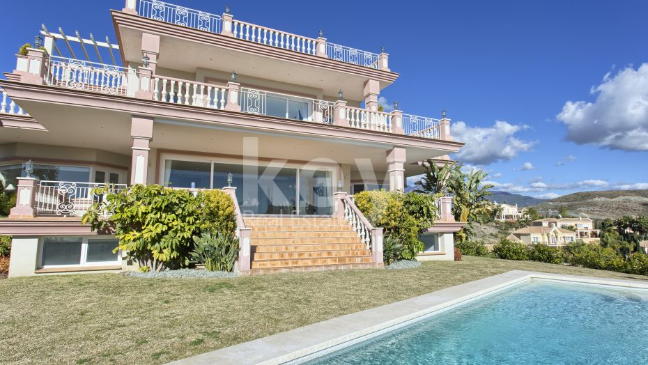 VILLA WITH AMAZING SEA VIEWS FROM THE ALL FLOORS FOR SALE IN LOS FLAMINGOS, BENAHAVIS