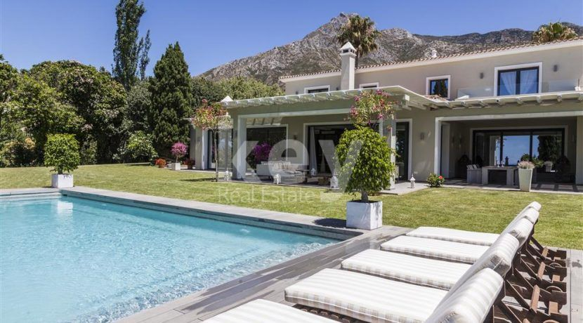 golden mile, marbella nice villa in gated community with sea views