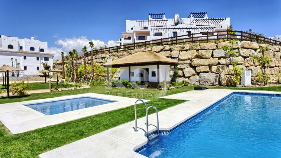 Sea and golf view penthouse on Casares Coast, Estepona