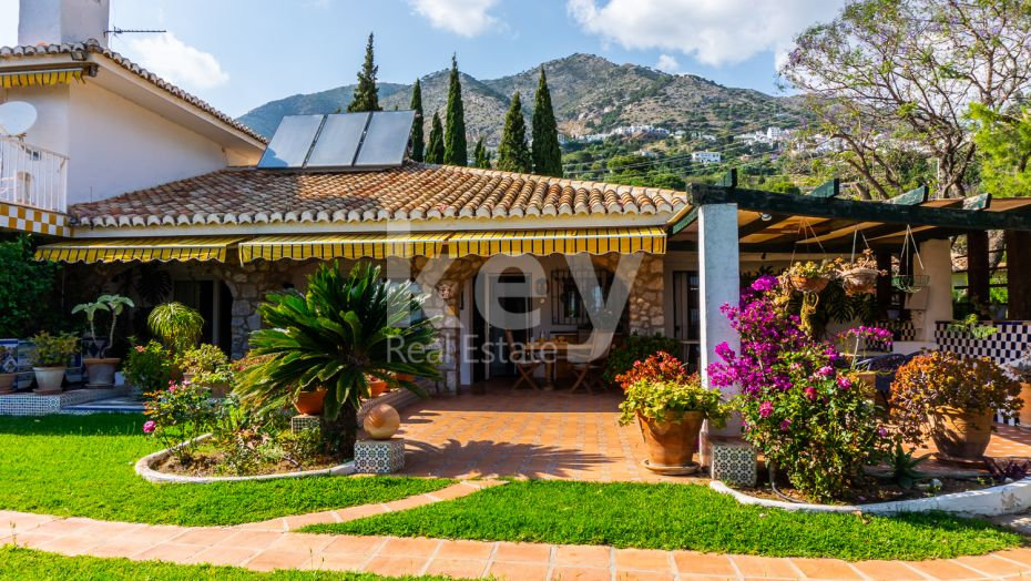 Finca for sale in Mijas, good investment to make a b&b hotel