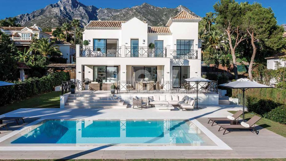 Luxury villa with a a sea view situated in Sierra Blanca, Marbella
