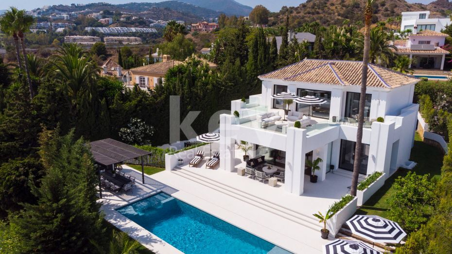 Marvelous sea and golf views villa located in Los Naranjos Golf