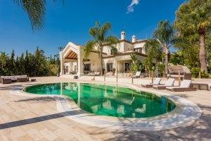 Stunning frontline golf villa in La Cerquilla