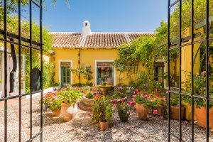 Charming finca in tranquil setting near Malaga